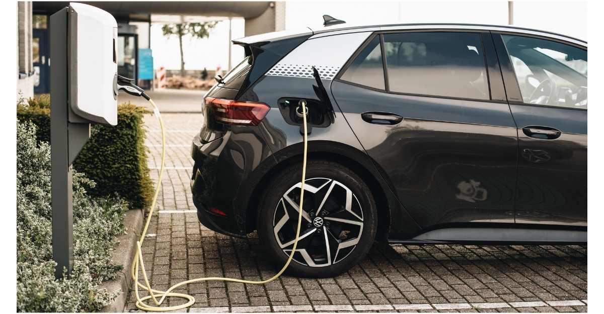 Noleggio auto elettriche Lungo Termine: quali vantaggi per i privati?